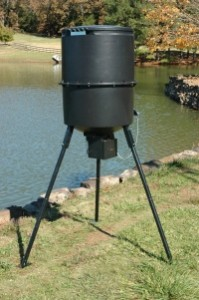 Automatic Fish Feeder - Automatic system for feeding fish in dams